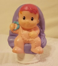 Fisher Price Little People Baby on chair by Mattel 2012 pre-owned figuri... - $8.56