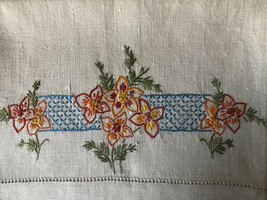 "Vintage 28"" Linen Tea Towel ~ Hand Embroidered Floral Design ~ Hemstitch... - $6.92"