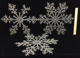 "Snowflake Decor Clear Plastic 16"" & Garland 8.5 ft w/ White Plastic Star... - $14.84"