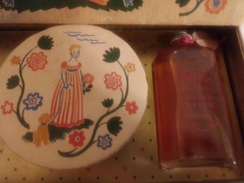 Vintage 1940s Early American Old Spice Tissue Box Sachet Toilet Water Movie Prop