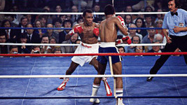 Sugar Ray Leonard Vs Wilfredo Benitez 8X10 Photo Boxing Picture Ring Action - $3.95