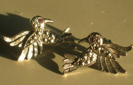 AVON HUMMINGBIRD BIRD SILVER TONE EARRINGS FAUX MARCASITE STUD PIERCED V... - $5.70