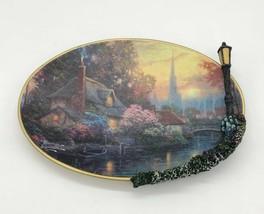 Thomas Kinkade Nanette's Cottage Glow in the Dark Plate w/ Lamp Post ... - $39.59