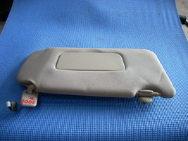 2013 NISSAN MAXIMA RIGHT GRAY SUN VISOR WITH MIRROR AND LIGHT