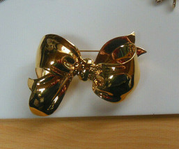 Vintage Napier Large Shiny Gold-tone Bow Brooch/Pin  - $24.74