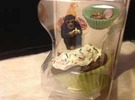 Cupcake gift box with choice of Exotic or Safari African animal  on lid image 12