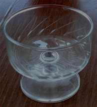 Nice Etched Glass Footed Dessert Cup, Very Good Condition Pretty Pattern - $11.87