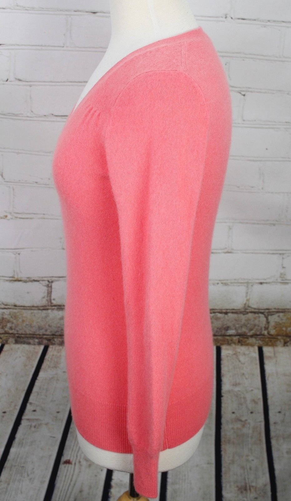 Talbots 100% Cashmere V-Neck Sweater Size XS Pink Pullover Lightweight image 3