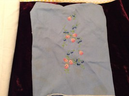 Antique Set of Four Embroidered Floral Hand Towels image 2