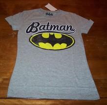 Women's Teen Vintage Style Batman Dc Comics T-shirt Small New w/ Tag - $19.80