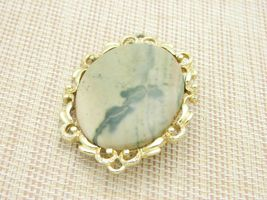 Peach Cream Green Agate Stone Gold Tone Pin Brooch Vintage Large image 3