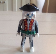 Playmobil 7969 Ghost Pirate FIGURE Glow In The Dark Replacement - $6.79