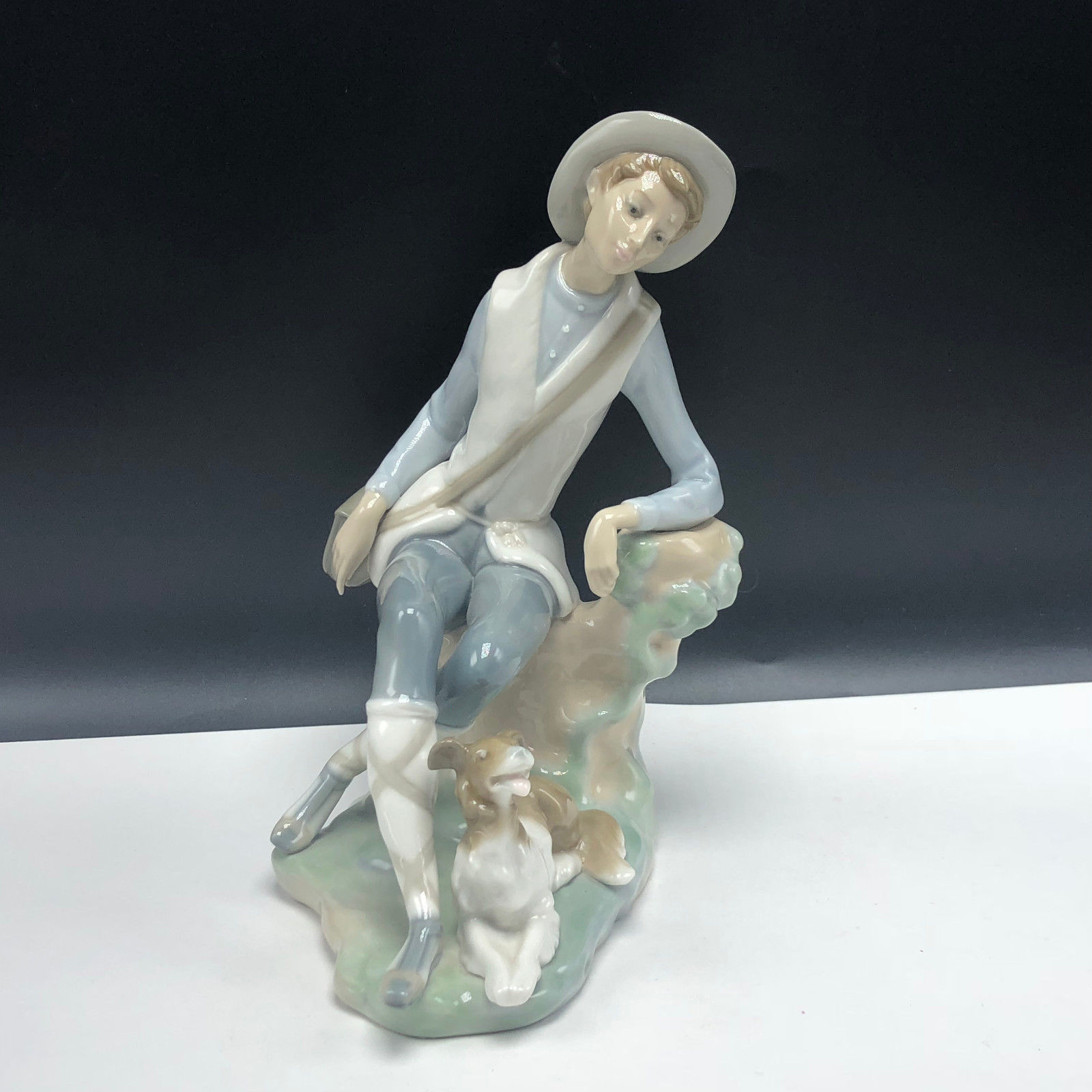 Primary image for LLADRO FIGURINE NAO SPAIN SCULPTURE 4659 shepard boy hat puppy dog pastor daisa