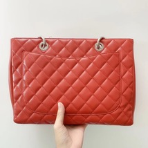 AUTH CHANEL RED QUILTED CAVIAR GST GRAND SHOPPING TOTE BAG  image 3