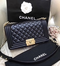 NEW 100% AUTHENTIC CHANEL BLACK QUILTED LEATHER MEDIUM BOY FLAP BAG GHW