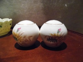 Rosina Co. Made in England Bone China Salt & Pepper Roses Oval Shape 1948 - $19.66