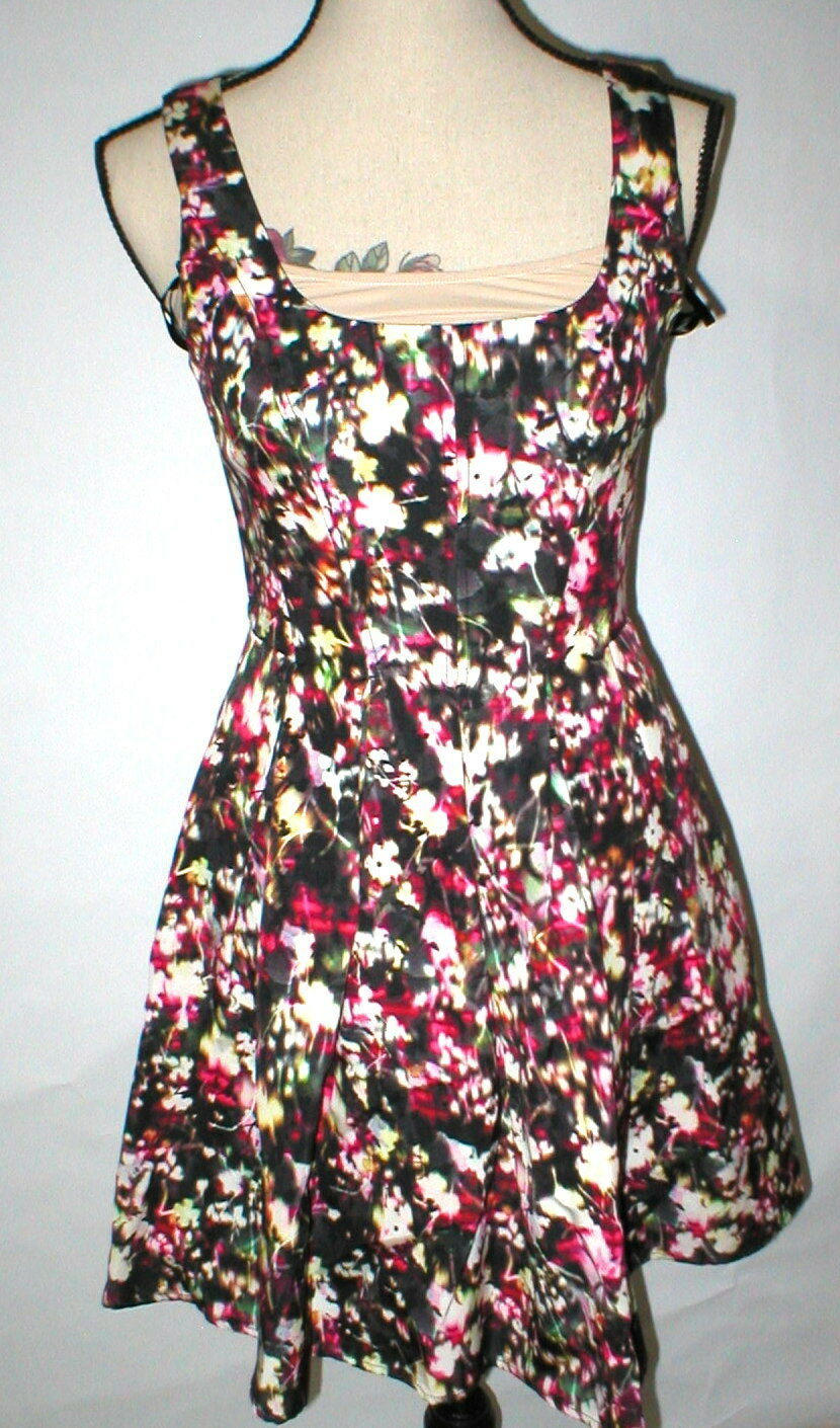 Primary image for New Womens NWT $158 French Connection Fit Flare Dress Flowers Black Pink White 2