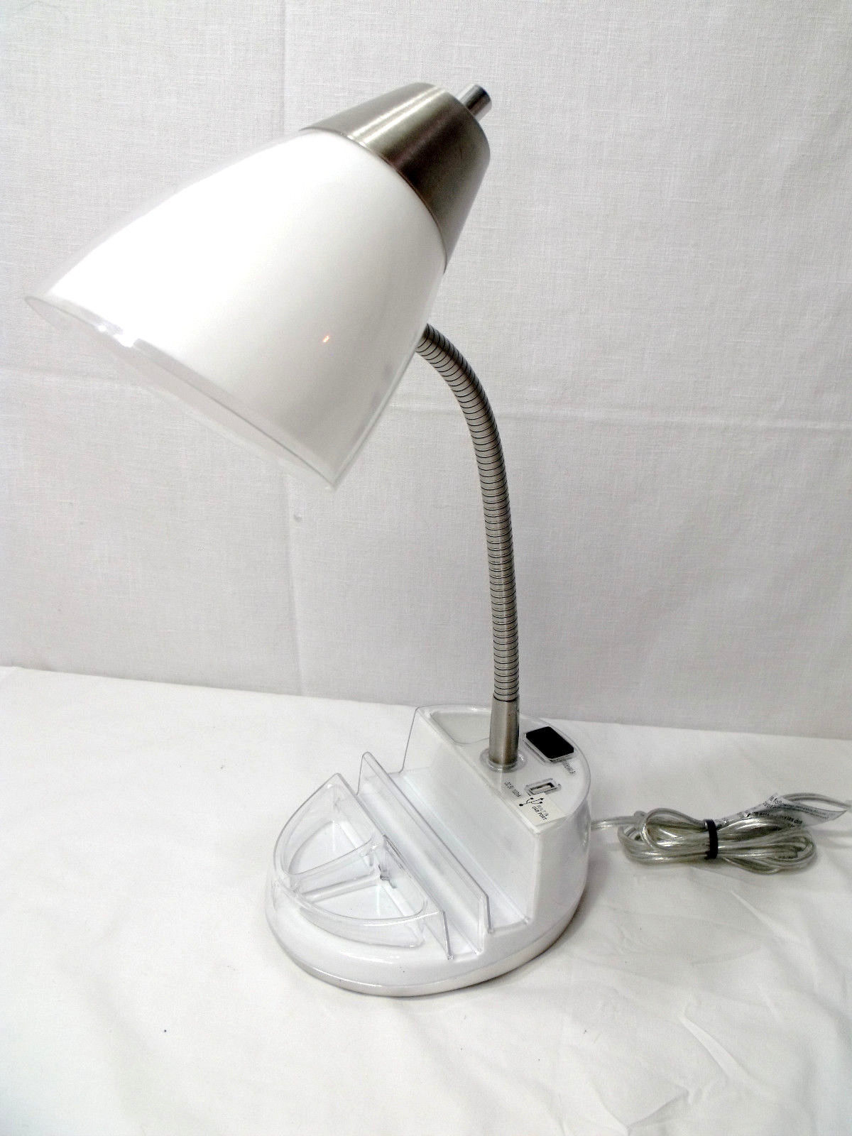 Intertek Desk Lamp With Organizer Usb Charger White Mdl Gs T00989