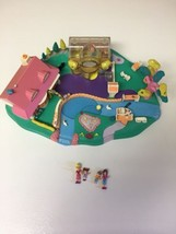 1996 Polly Pocket Boutique Bluebird with 4 People see details - $38.70