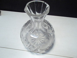 Cut Crystal Lrg Carafe / Decanter ~~ a beauty ~ heavy - $12.99