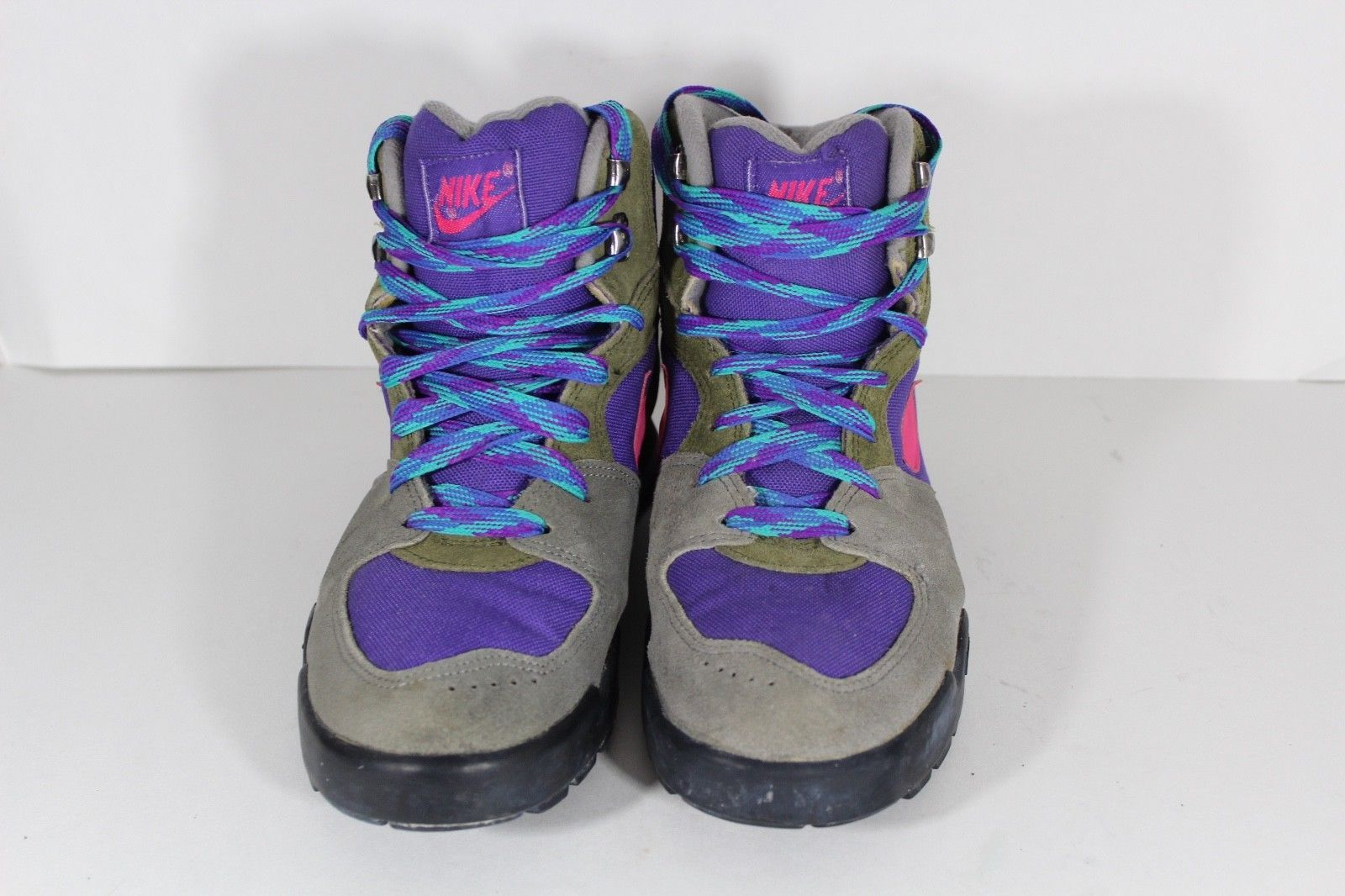 abfdc02125a98 Vintage 90s NIKE Womens Size 9 Spell Out Caldera Suede Hiking Boots Gray  Pink