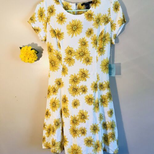 Forever 21 Princess Sunflower Dress Size Small
