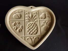 THE PAMPERED CHEF Hospitality Heart Cookie Mold  - FAMILY HERITAGE STONE... - $5.88
