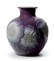 Lladro Poppy Flowers Vase. Limited Edition 01008621 - $1,600.00