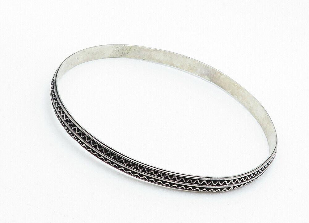925 Sterling Silver - Vintage Dark Tone Wavy Detail Bangle Bracelet - B6044 image 3