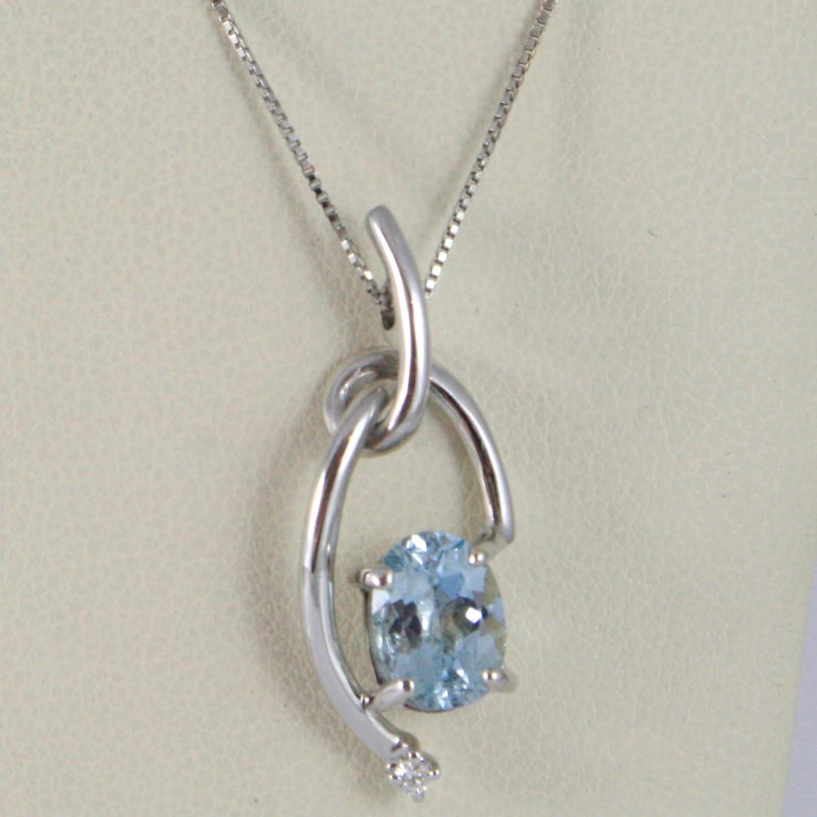 18K WHITE GOLD NECKLACE, AQUAMARINE WOVEN PENDANT WITH DIAMOND, VENETIAN CHAIN