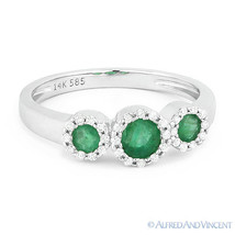 0.54ct Round Cut Emerald & Diamond Pave Three-Stone Halo Ring in 14k Whi... - €582,02 EUR