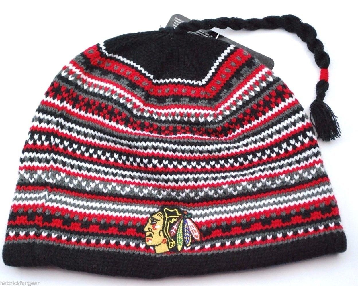 404b9680 S l1600. S l1600. Previous. CHICAGO BLACKHAWKS REEBOK NHL FACE OFF TASSEL KNIT  WINTER HOCKEY HAT/BEANIE · CHICAGO BLACKHAWKS ...