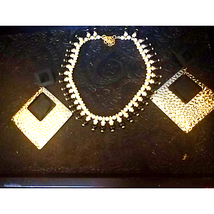 Gorgeous~Vintage Necklace and Earring Se - $23.76