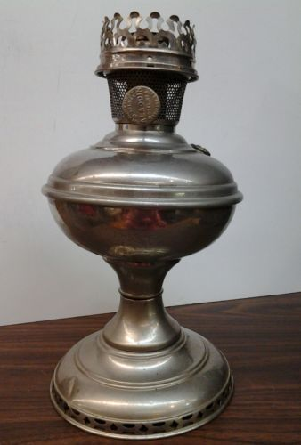 Antique Aladdin No.6 Kerosene Lamp   $70.11