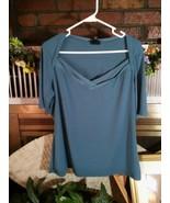 East 5th Slate Blue  Ladies Short Sleeve Blouse XL Polyester/Spandex EUC - $12.60