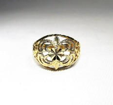 Beverly Hills Gold 14K Yellow Gold Carved Ring C2410 - $106.33