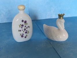 Vintage AVON Milk Glass Collectors Cologne Bottles lot of 2 - $6.88