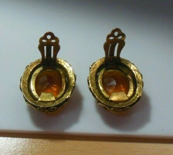 Vintage Kramer of New York Faceted Prong Set Amber Stone Clip-on Earrings