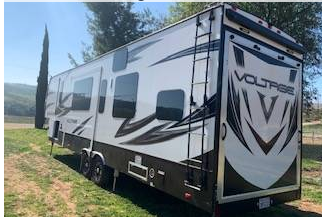 2017 Dutchmen Voltage 3305 with Hitch FOR SALE IN Fallbrook CA 92082