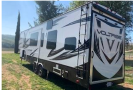 2017 Dutchmen Voltage 3305 with Hitch FOR SALE IN Fallbrook CA 92082 - $69,000.00