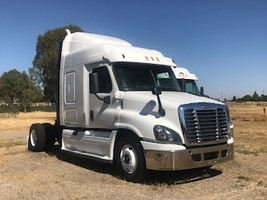 2015 FREIGHTLINER CASCADIA 125 For Sale In Madera, California 93638 image 2