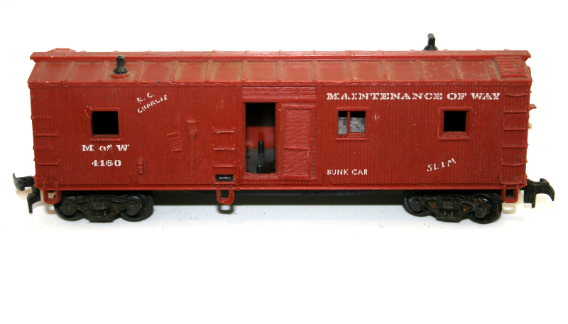 Revell Maintance of Way Bunk Car Red
