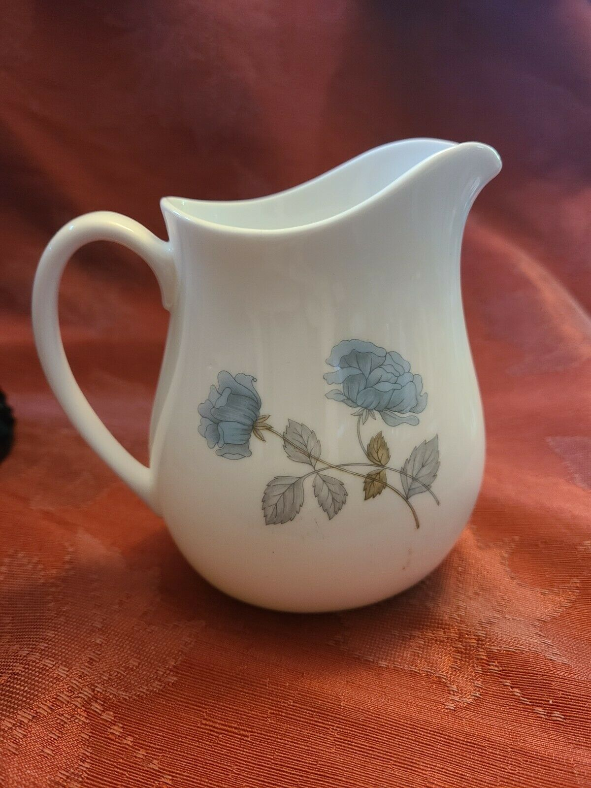 Pitcher Creamer Ice Rose WEDGWOOD Bone China Made in England Blue Flowers
