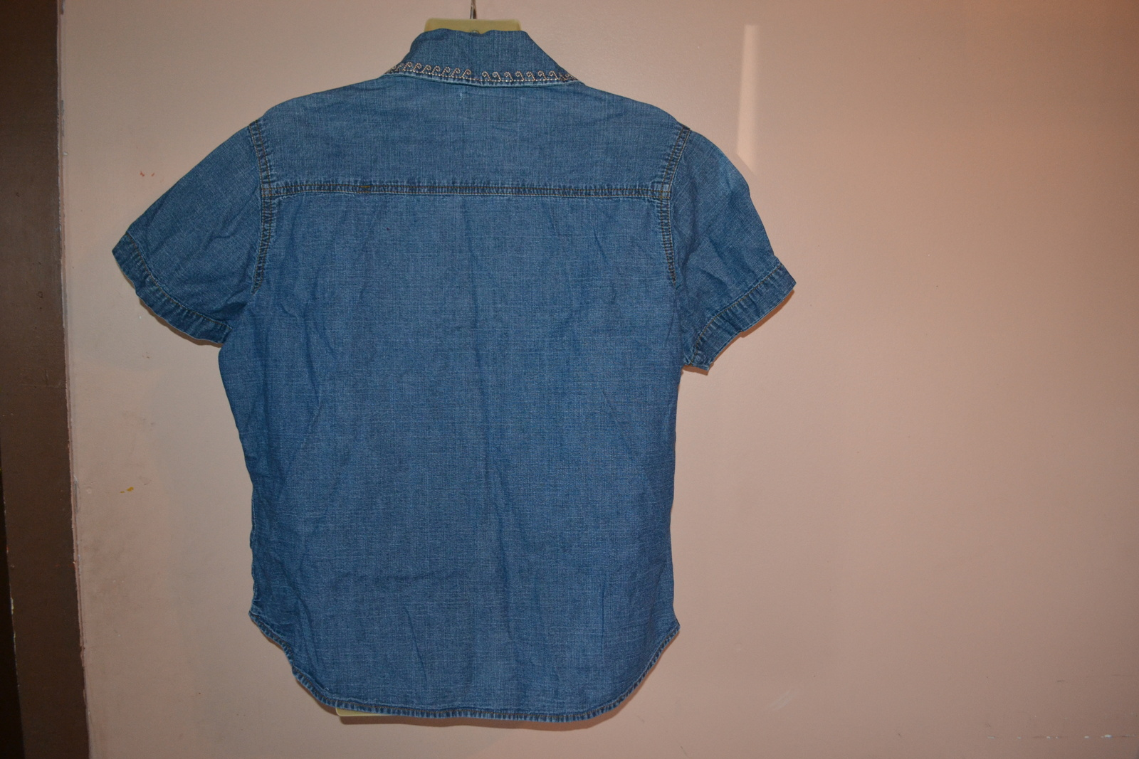 "Women's Denim Shirt by Wrangler Size L Large (Bust 28"") RRM337"