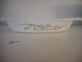 Vintage Golden Honeysuckle Shallow Casserole 033 1.5 quart no lid; made ... - $10.88