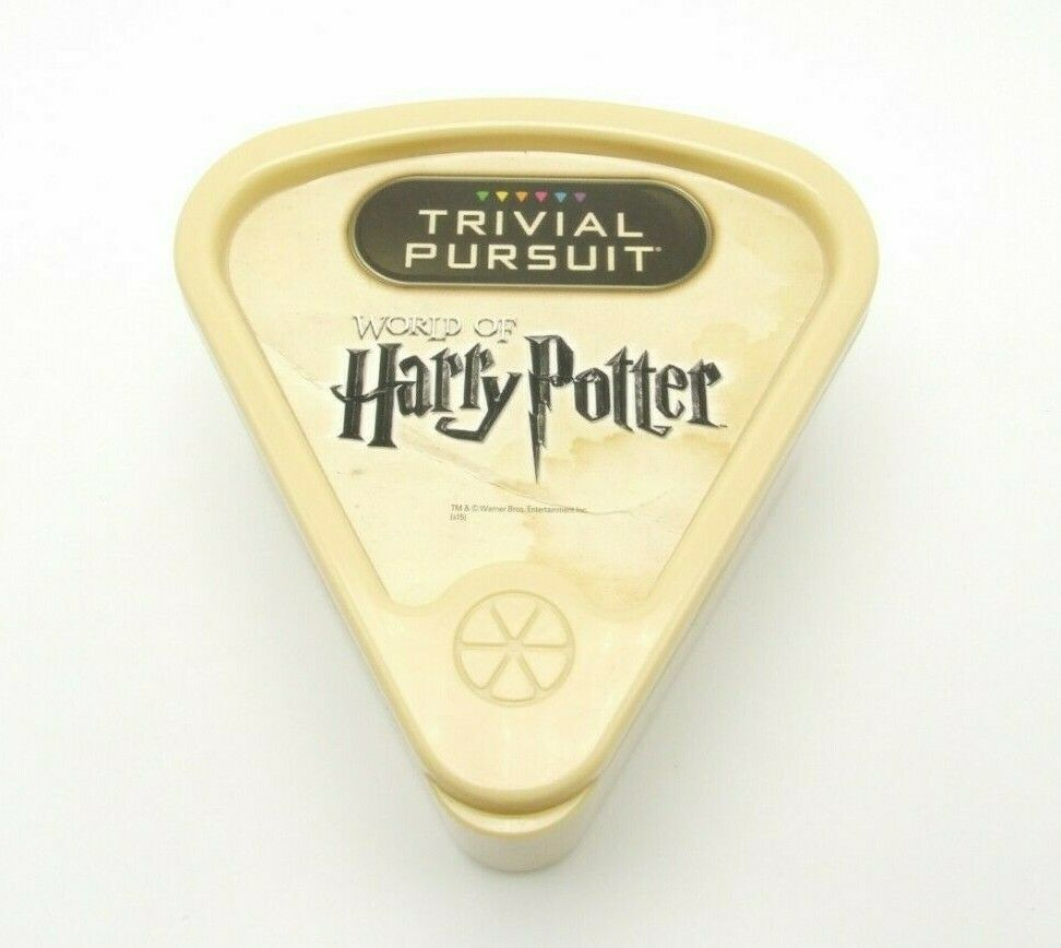 Trivial Pursuit World Of Harry Potter Replacement Wedge Case Game Piece Part image 3