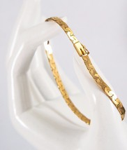 GORGEOUS!  8.60g 14K SOLID YELLOW GOLD HERRINGBONE BRACELET  - $303.88