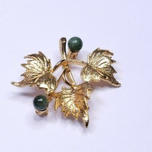 Vintage Hobe Small 3 Leaf Pin Brooch Gold Tone Jade Beads Signed Costume - $18.80