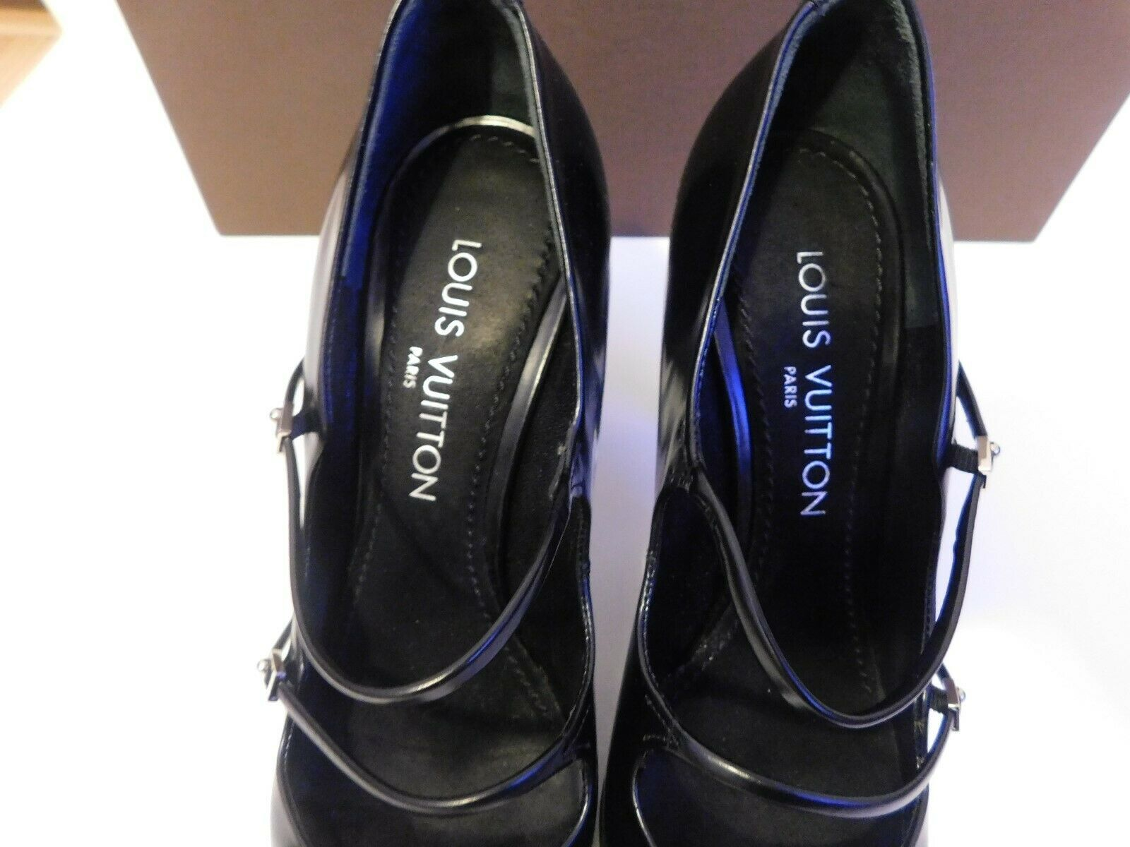LOUIS VUITTON BLACK PUMPS SIZE 38.5 AUTHENTIC  image 2