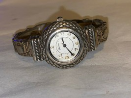 Geneva 7100 WOMEN'S WATCH Silver Tone Non Working bracelet clasp band    (jwbx) - $11.40